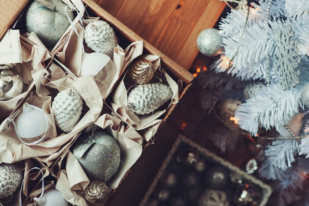 10 Clever DIY Christmas Decoration Storage Ideas